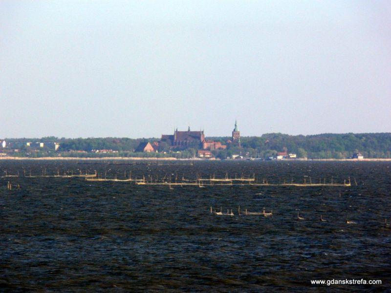 Frombork widoczny z Krynicy Morskiej