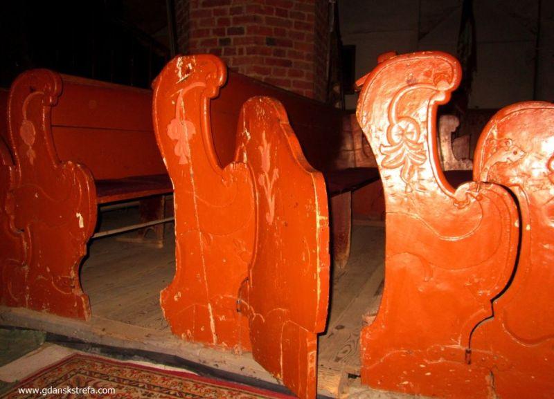 ławki w kościele św. Mikołaja w Gniewie
