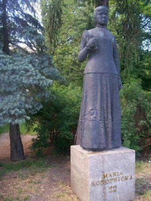 pomnik Marii Konopnickiej, z archiwum autorki
