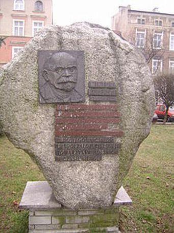 Wiktor Kulerski - pomnik w Grudziądzu, domena publiczna