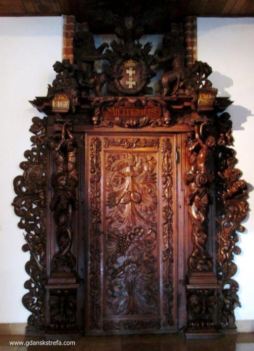 drzwi do Sali Czerwonej