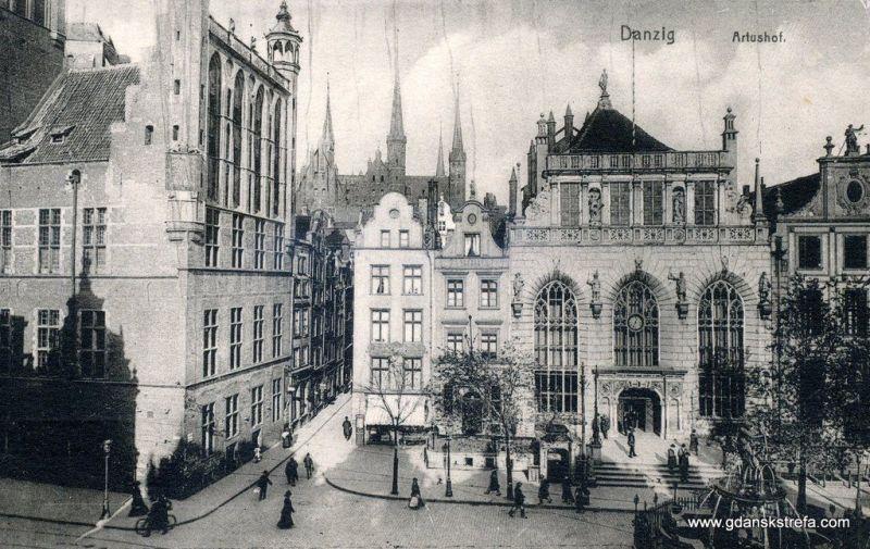 Dwór Artusa i kawałek Ratusza Głównego Miasta