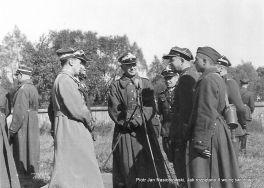 Marszałek Edward Śmigły-Rydz wśród generałów. Wiosna 1939 r.