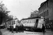 wykolejnony tramwaj