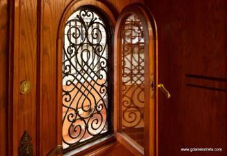 drzwi od Długiego Pobrzeża