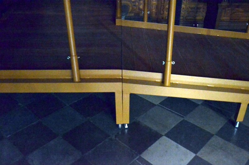 Rampa wykonana jest z modułów - jest to rozwiązanie przenośne i bezawaryjne
