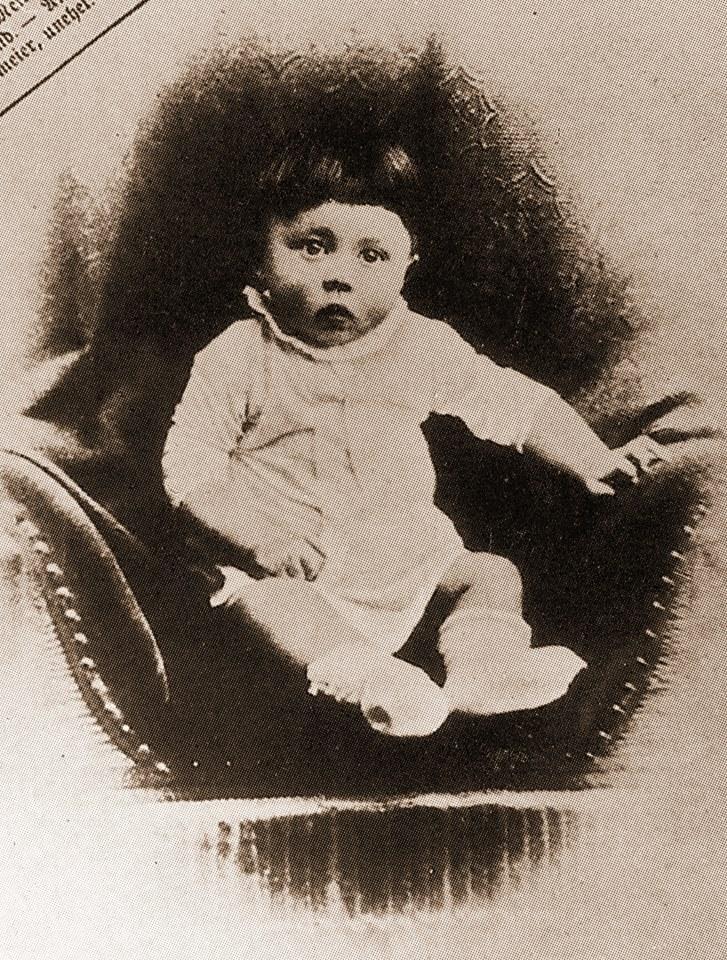 Roczny Adolf Hitler