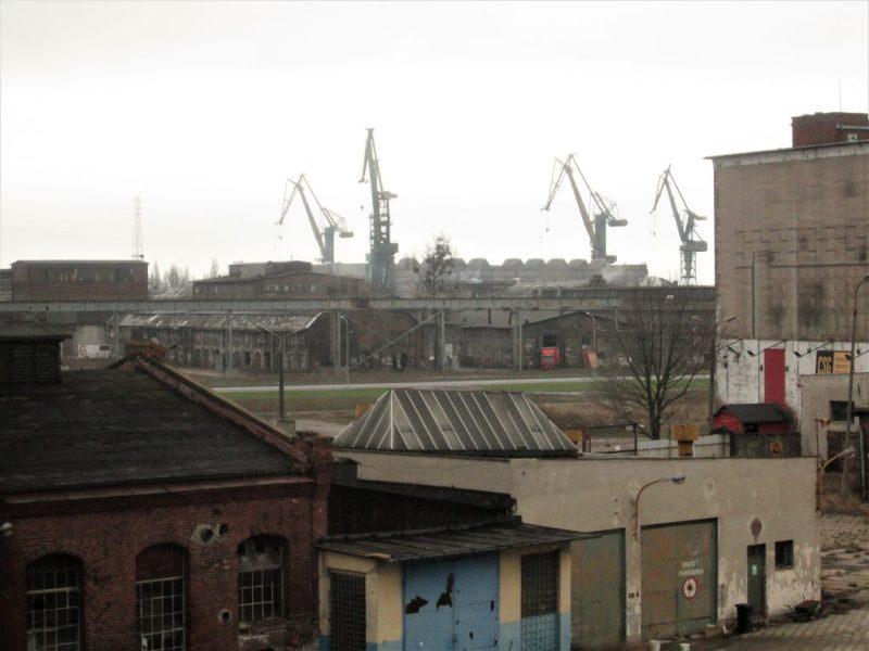 Widok z Wałowej na stocznię