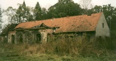 Krzyszkowice dwór ruina elewacja