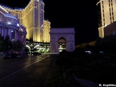 Vegas, Paris