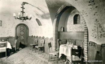 Piwnica Rady, żyrandol o kształcie herbu Gdańska