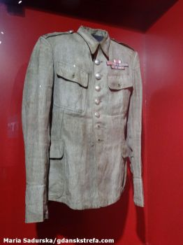 Oficerska kurtka wojskowa należąca do kpt. Mariana Wysokińskiego; zbiory Muzeum II Wojny Światowej w Gdańsku