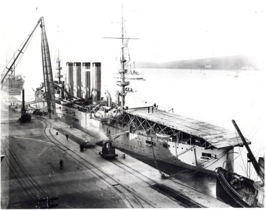 USS Pennsylvania u wybrzeży Kalifornii w 1911 r.