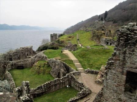 Ruiny zamku Urquhart nad Loch Ness