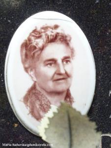 Zdjęcie Wandy Poznańskiej z pomnika nagrobnego