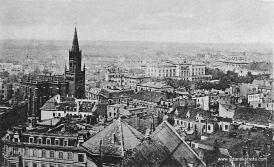 Panorama z widokie na nowy budynek uniwersytetu.