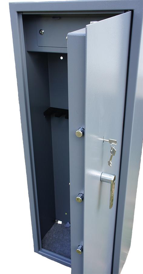 8 Gun cabinet with inner ammo safeClay pigeon traps Gun