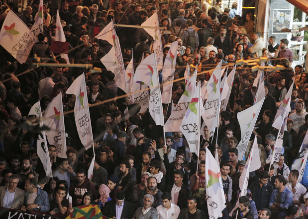 Thousands protest in Istanbul after Ankara attack