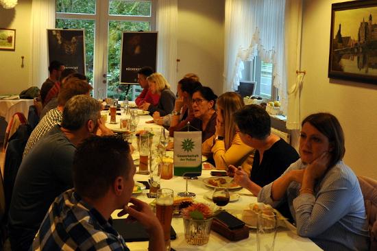 Gemeinsame außerordentliche JHV der KG Hameln-Pyrmont und Holzminden in einem für beide 'verkehrsgünstig' gelegenen Gasthaus. Foto: GdP KG HM-Pyr