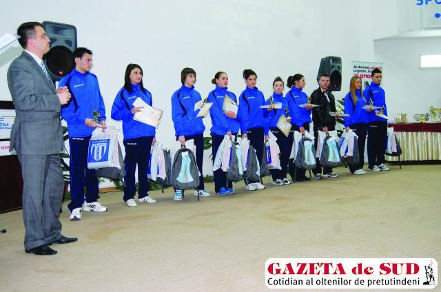 Emoţii la Gala Sportului Şcolar Doljean - GAZETA de SUD