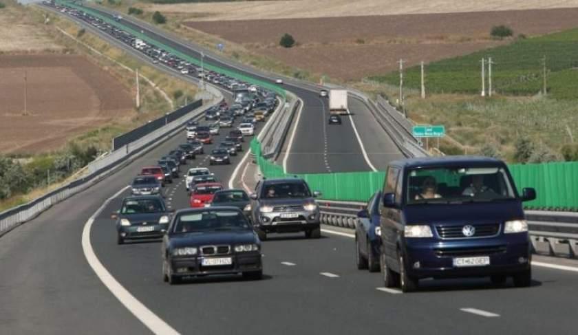Coloane de mașini pe Autostrada Soarelui, pe sensul spre litoral
