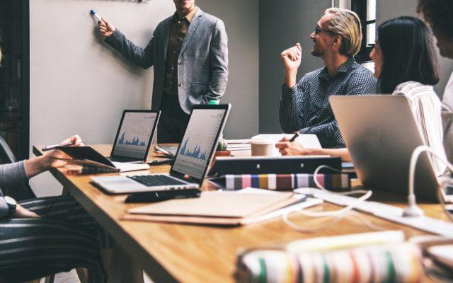 Cel mai bine plătit job al săptămânii: Inginer IT – 6.000 de euro pe lună