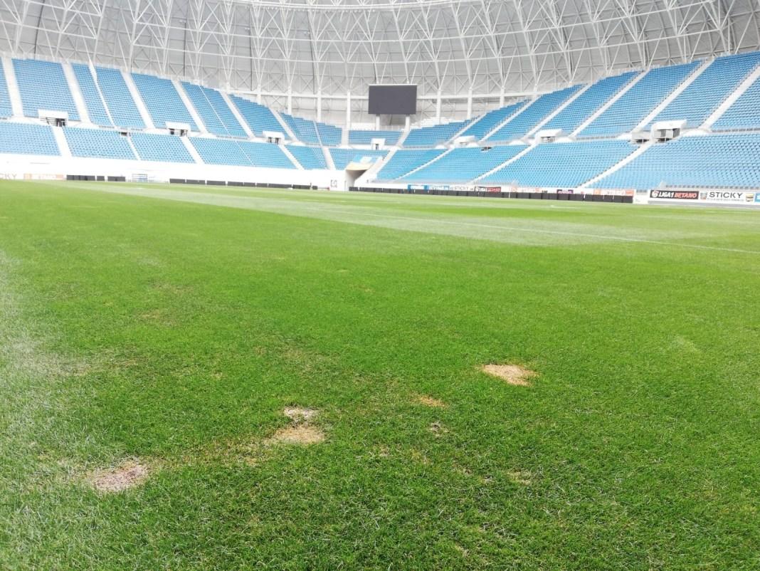 Primăria Craiova a prevăzut la rectificarea bugetară bani pentru schimbarea gazonului de la stadionul de fotbal. Suma trecută în buget: 3.434.000 de lei
