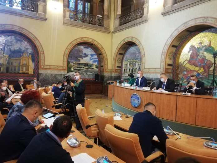 Consiliul Local și-a încheiat mandatul cu scandal. Consilierii PNL au contestat vehement două dintre proiectele propuse de executiv și votate de majoritatea PSD.
