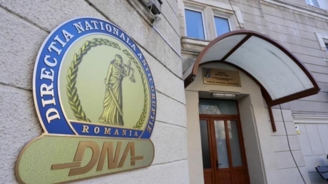 Secretarul Primăriei Deva, trimis în judecată pentru trafic de influenţă