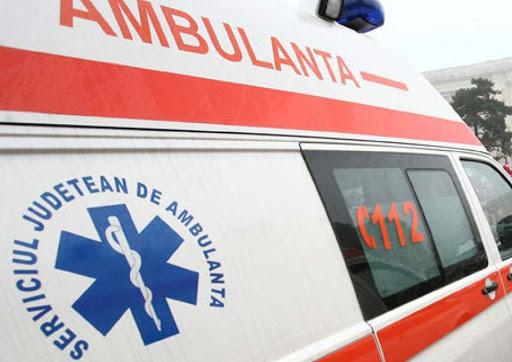 Gorj: Trei răniți după o tamponare între două mașini, la Ciuperceni