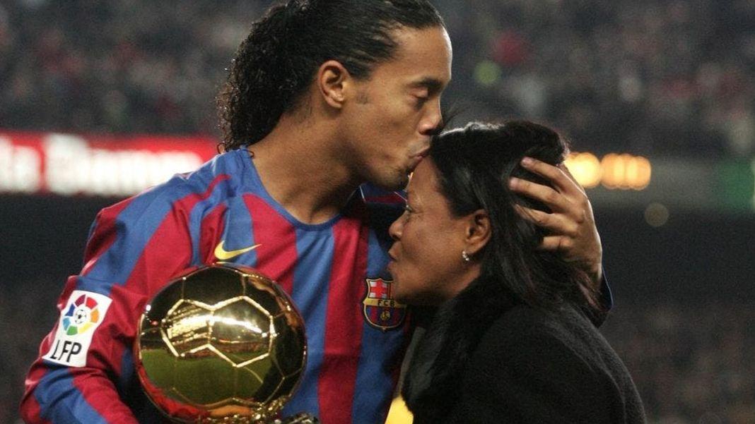 A murit mama lui Ronaldinho. Femeie era infectată cu COVID-19 / Foto: Twitter