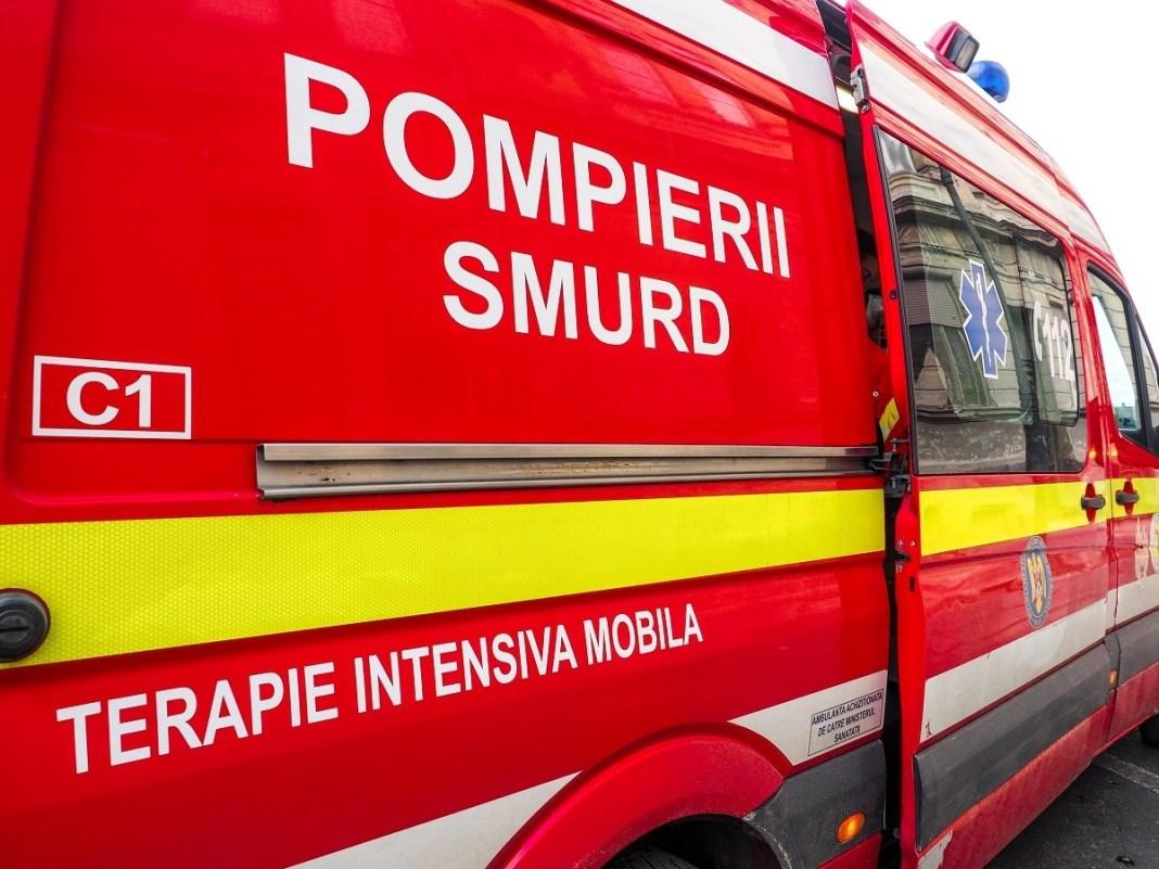 Victima a fost transportată la săpital.