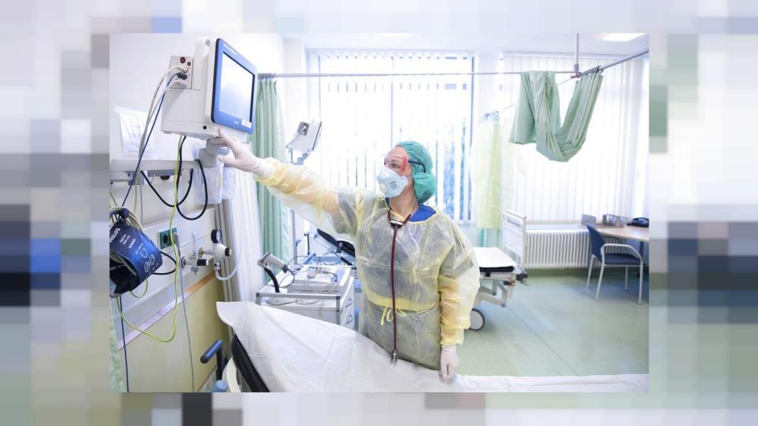 Asociaţia medicilor germani specializaţi în terapie intensivă a cerut luni reintroducerea imediată a unor restricţii severe