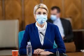 """Raluca Turcan: """"Vaccinul conţine viaţă şi normalitate """""""