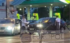 Bărbatul care a atacat cu o crosă de golf un şofer în trafic, trimis în judecată