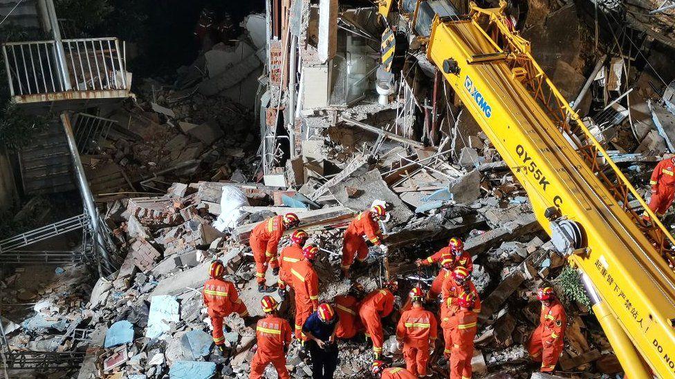 17 morți în urma prăbușirii hotelului din China