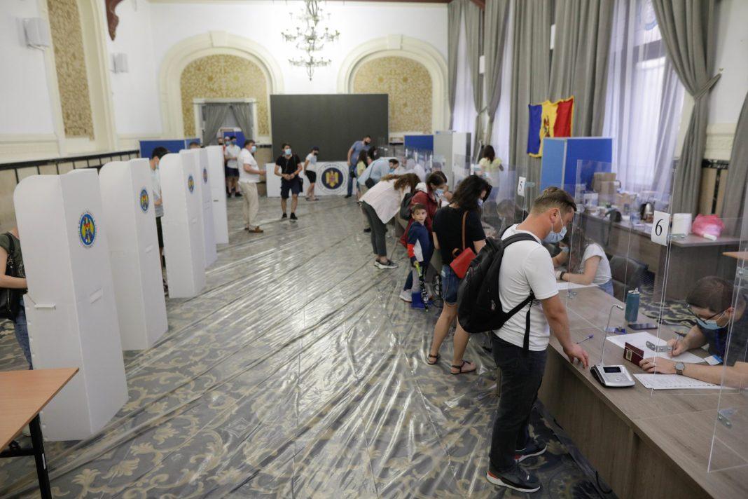 Partidul Maiei Sandu i-ar fi zdrobit pe comuniști și a câștigat alegerile parlamentare anticipate din Republica Moldova (Inquam Photos / George Călin)