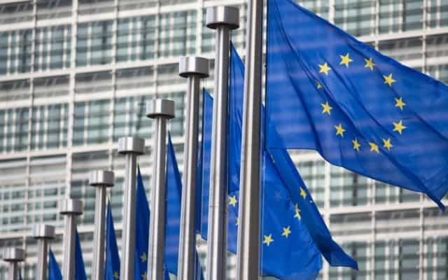 CE anunţă că 70% dintre adulţii europeni au primit cel puţin o doză de vaccin anti-COVID-19