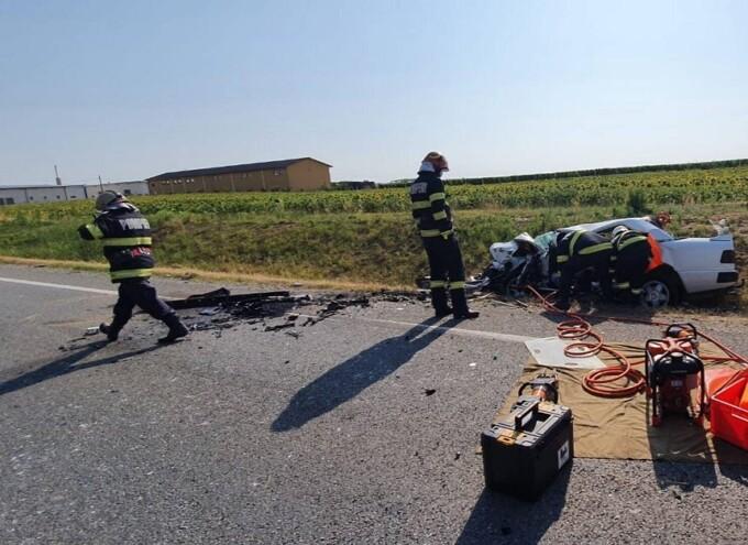 Încă un accident grav. Două persoane au murit, iar alte cinci au fost rănite
