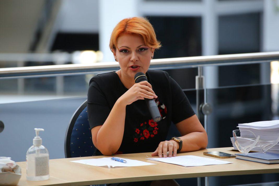 Primarul Lia Olguţa Vasilescu a dat explicații în legătură cu problema ridicării gunoiului menajer, situație cu care se confruntă Craiova