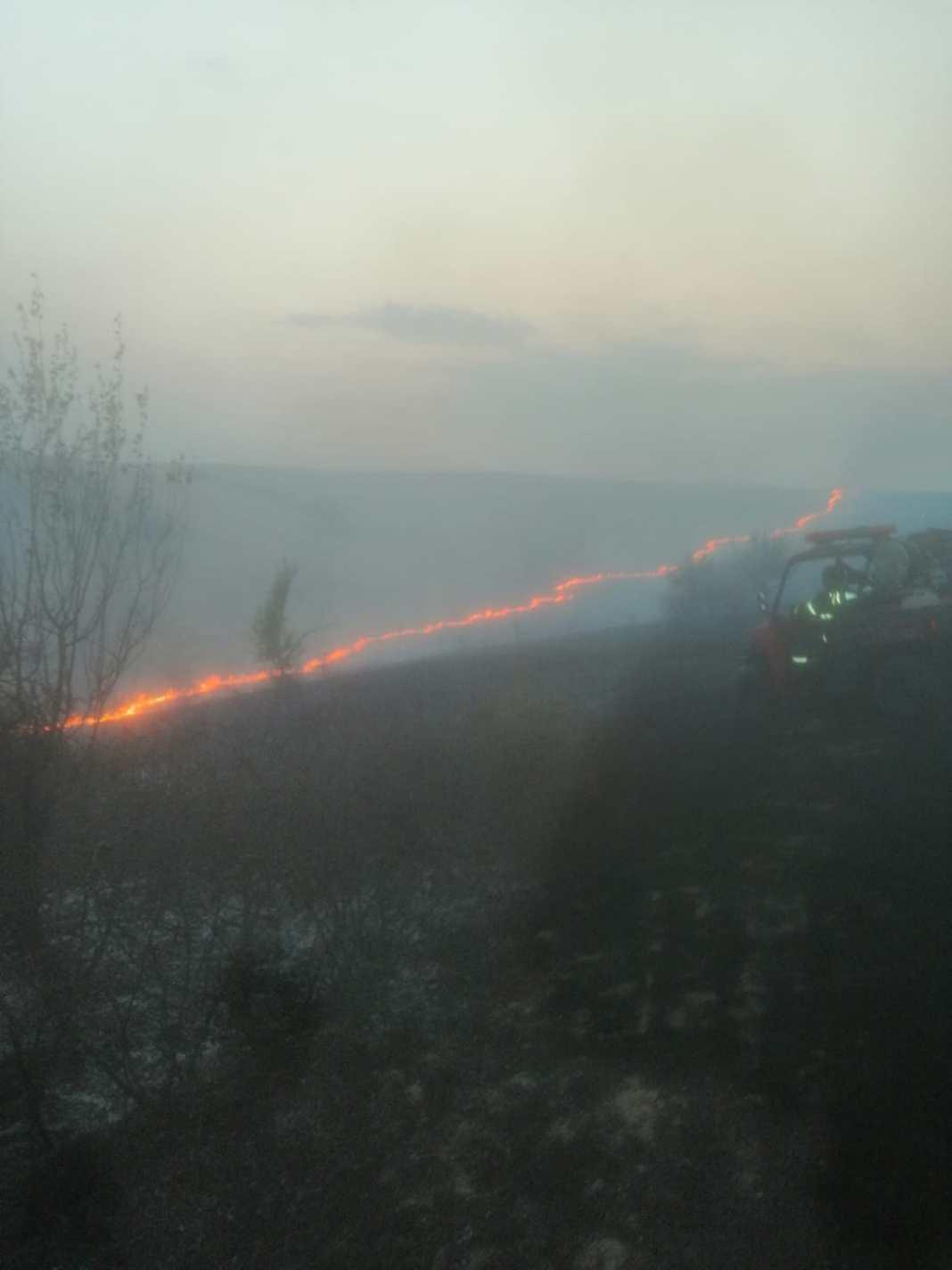 Pe timp de secetă prelungită, arderea miriștilor, a vegetației uscate și a resturilor vegetale este INTERZISĂ