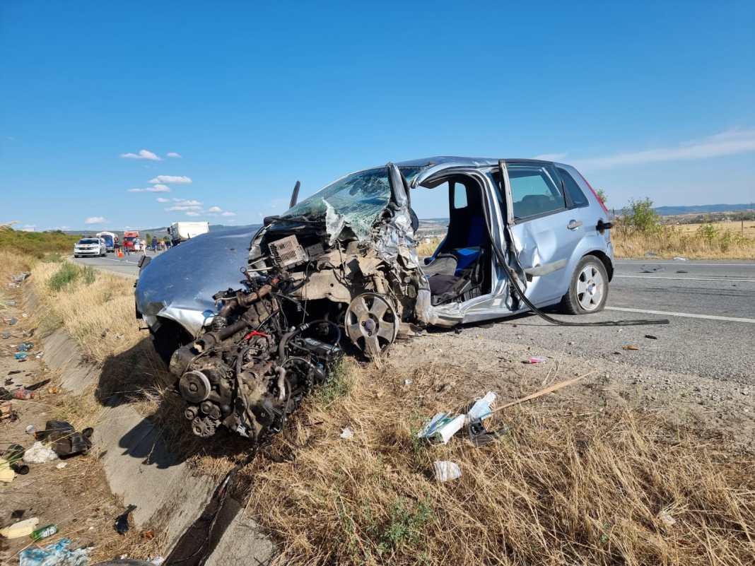 Șoferița a fost transportată la spital, iar traficul rutier a fost reluat