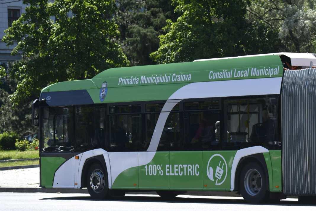 Până va fi stabilit definitiv furnizorul celor 30 de autobuze electrice, craiovenii au la dispoziţie cele 16 autobuze electrice articulate, care circulă în prezent pe traseele din municipiu
