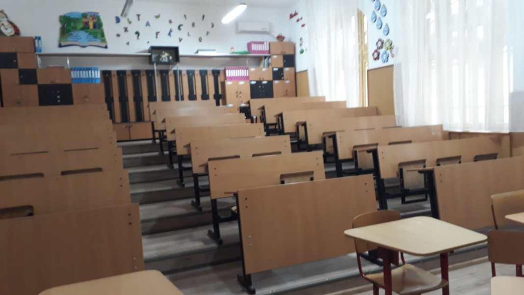 Începând cu data de 13 septembrie, la nivelul școlilor din Olt, au fost depistate 29 cazuri confirmate cu infecția SARS-CoV-2