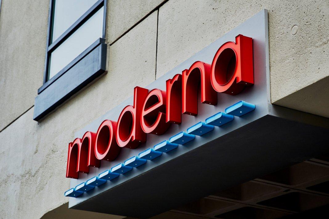 Directorul Moderna spune că pandemia se va încheia peste un an