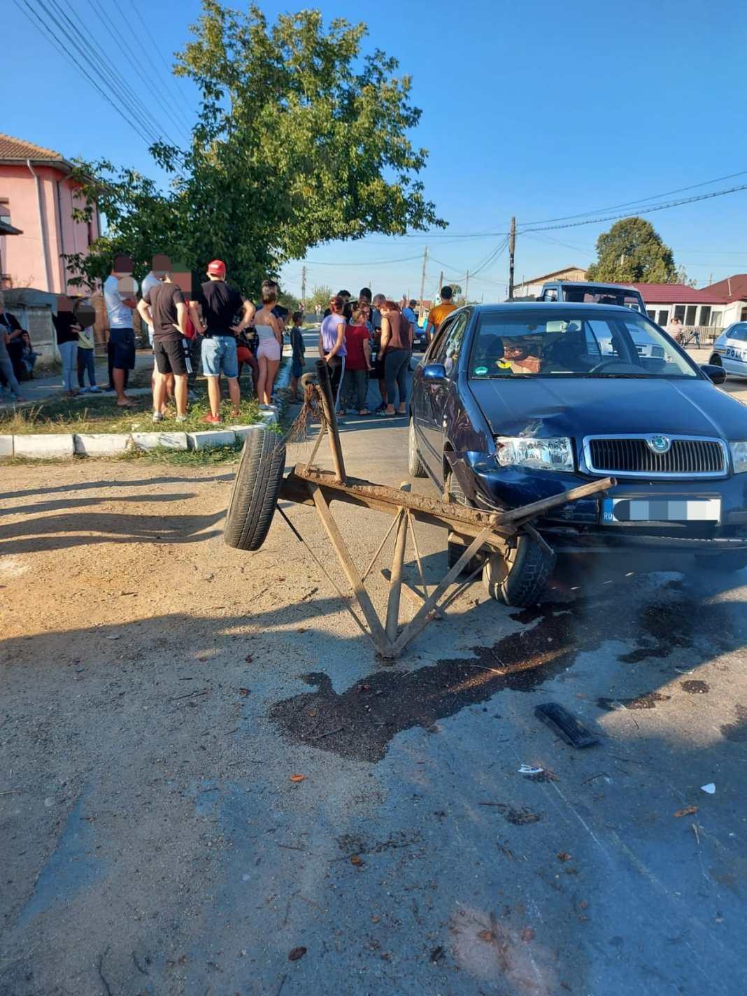 Impact între o mașină și o căruță, la Giurgiţa