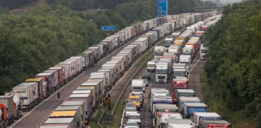 Marea Britanie va acorda până la 10.500 de vize temporare de muncă pentru a face faţă deficitului de muncă