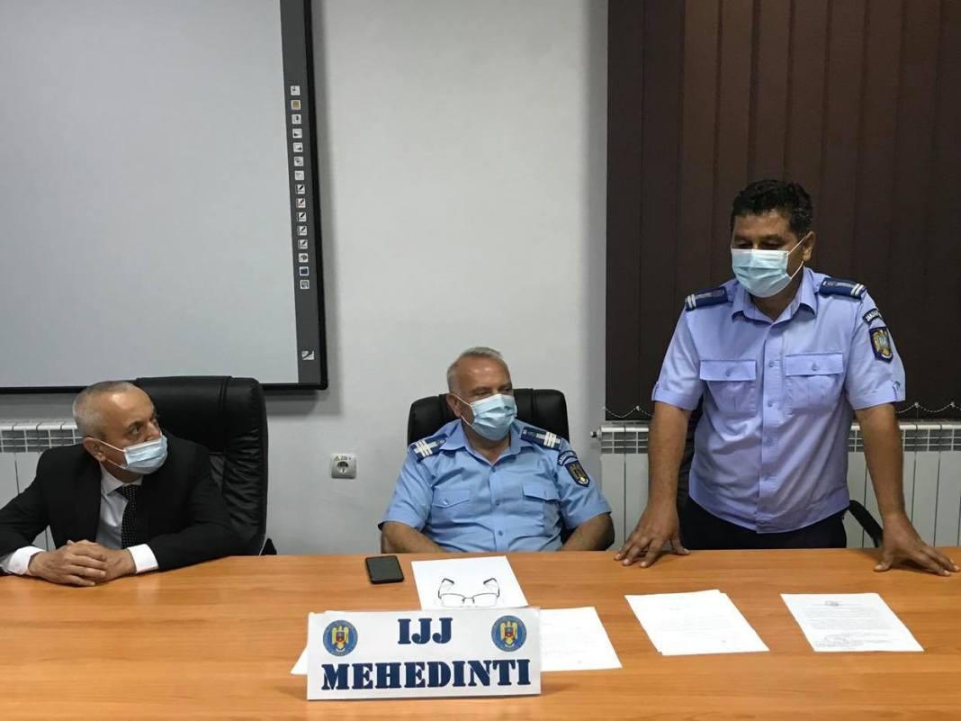 De ieri, Inspectoratul de Jandarmi Județean Mehedinți are conducere nouă.Colonelul Adrian Zanfir este noul comandant al IJJ Mehedinți