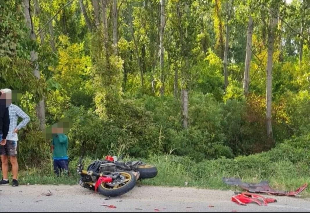 Tânărul motociclist a fost transportat la spital(Foto: INFO TRAFIC CRAIOVA SI DOLJ)