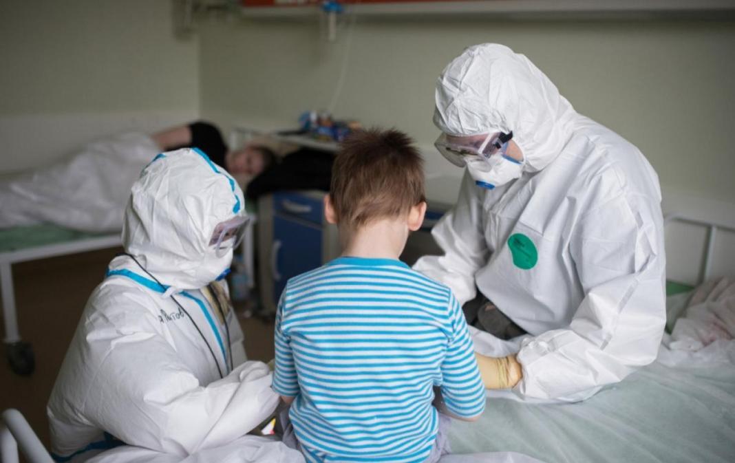 290 de copii cu COVID-19 sunt spitalizați
